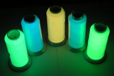 Вышивка люминесцентными нитками